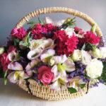 Cos cu alstroemeria lisianthus trandafiri